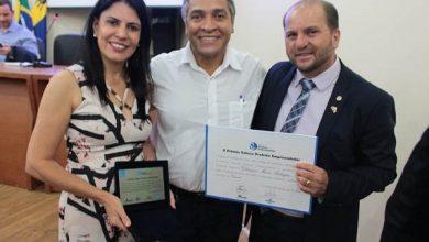Prefeita Glaucione Rodrigues recebe prêmio Prefeito Empreendedor do Sebrae