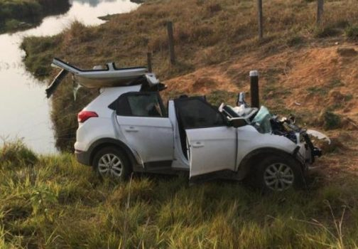 choque frontal creta 504x350 - Trágico acidente na RO-470 deixa um morto e médica de Ji-Paraná em estado grave