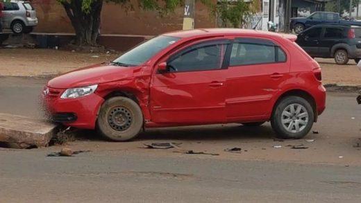 01ce2f00 1b69 4fad 87ad ce3ffee91e6d 1024x576 1 520x293 - Acidente deixa carros danificados no centro de Pimenta Bueno