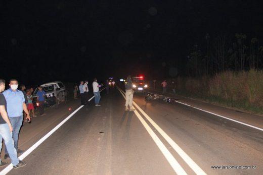 TRAGÉDIA! Duas pessoas morre em grave acidentre envolvendo motocicletas na BR-364, em Jaru RO