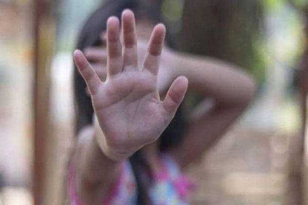 Criança revela para a avó que era estuprada pelo pai que é soro positivo