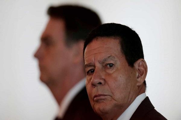 Mourão minimiza fala de Bolsonaro sobre compra de madeira ilegal - Mourão minimiza fala de Bolsonaro sobre compra de madeira ilegal