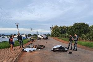 Dois jovens morrem e outros três se ferem em colisão de motos na RO-257 em Ariquemes, RO