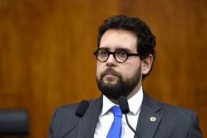 Deputado do PSL é suspeito de usar assessores para reformar casa da família no RS; MP vai apurar