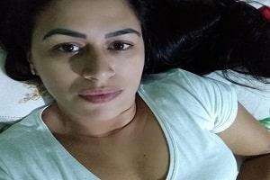 Mulher é morta a facadas no sofá de casa pelo ex-marido