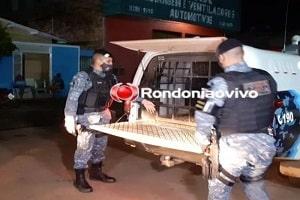 Mãe é detida por atacar policiais a facadas para impedir prisão do filho
