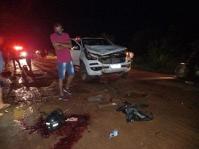 Trágico acidente entre motocicleta e caminhonete deixa um morto na RO 010 em Rolim de Moura