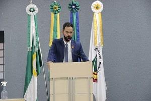 Lauro Garçom fez indicações a Semosp para limpeza e pavimentação asfáltica no Bandeirantes e Vista Alegre, e ainda pode de árvores no Novo Horizonte