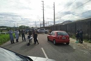 Traficantes filmam homem sendo executado dentro do carro e exibem nas redes sociais; veja vídeo