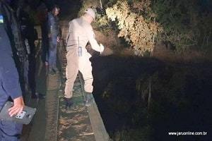 Após carro cair dentro de rio, pai morre e madrasta salva duas crianças em Machadinho do Oeste
