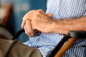 Idoso sofre parada cardiorrespiratória após tomar veneno por engano